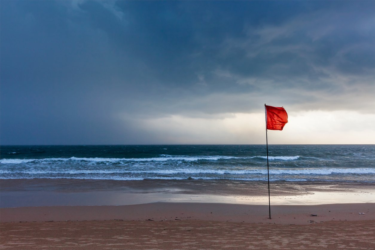 Hazardous signs - Red beach flag